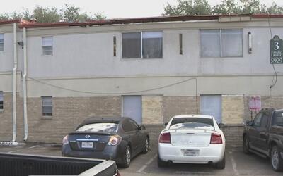 El susto que se llevaron residentes de un complejo en Dallas luego de qu...