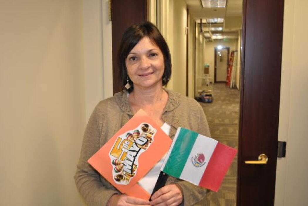 Phyllis Heyburn, del departamento de administración, aprovecha el Cinco...