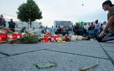 Munich rinde tributo a las víctimas del pasado tiroteo