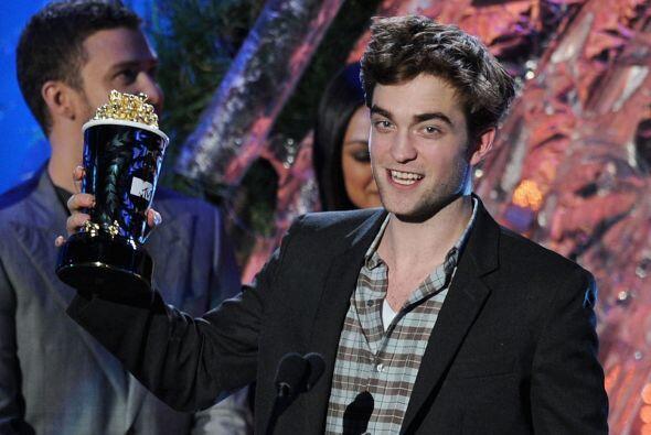 """Con 25 años de edad, Pattinson recientemente participó en el 'filme' """"Ag..."""