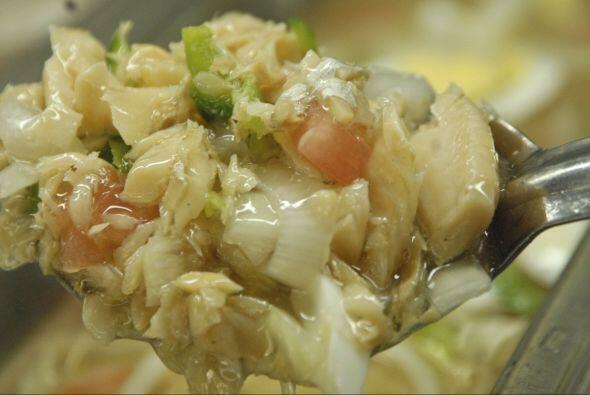 A este plato se le llama Serenata y lleva bacalao cocido, papitas, aceit...