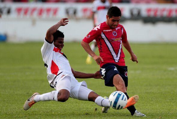 La situación económica del Veracruz los ha hecho jugar sólo con cinco ex...