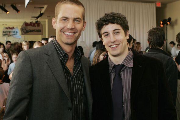"""Paul en la fiesta tras el estreno junto a su amigo, el actor de """"Am..."""