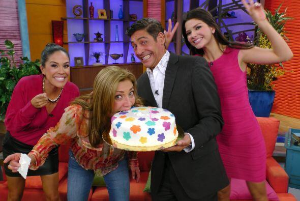 El pastel no podía faltar, teníamos que celebrar en grande...