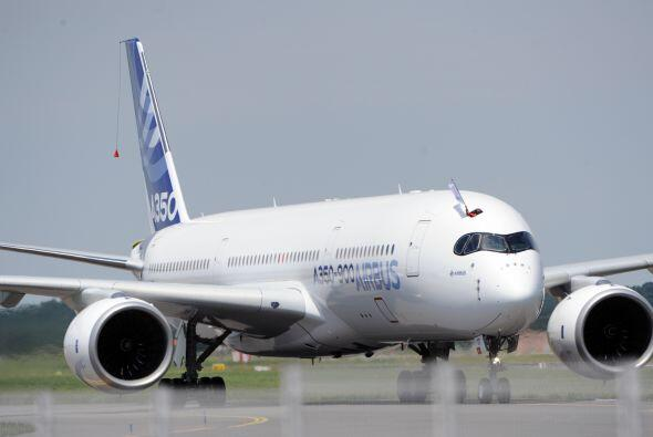Este primer vuelo llega tres días antes de la apertura de una de...