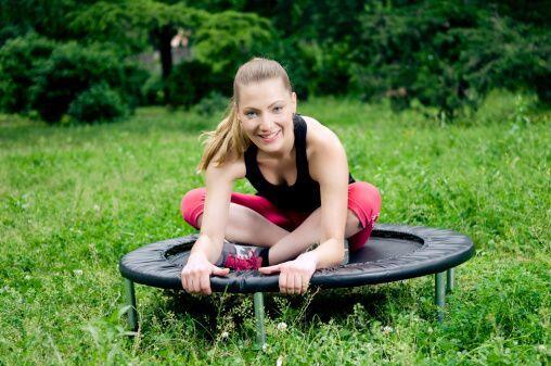 Algunos de los movimientos o ejercicios que se recomiendan son saltos y...