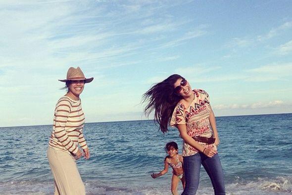 """#Fun I love these girls"", compartió Ana Patricia. (Ene..."
