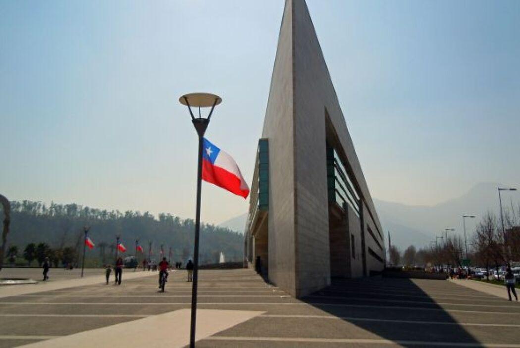 La municipalidad de Vitacura es una de las más modernas de la capital ch...