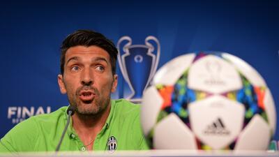 El portero de la Juventus reconoció que el Barça es el favorito para ganar.