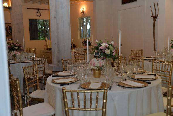 La decoración era bella, elegante y de muy buen gusto.