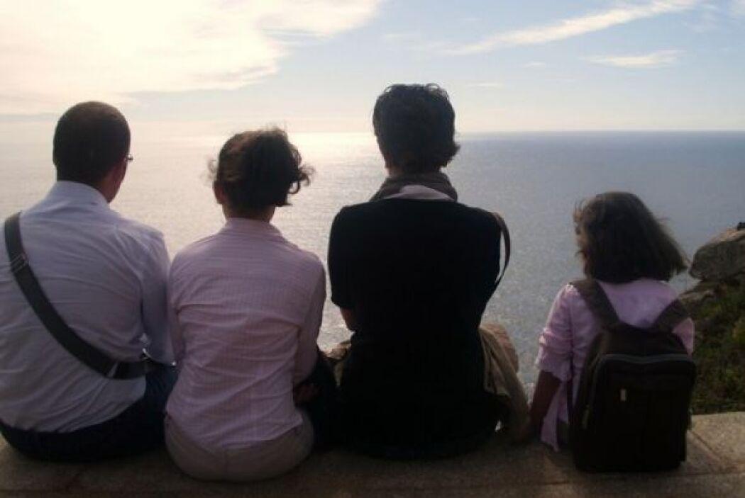 """Al fin del mundo.  """"Mi famila y yo, somos andaluces, de vacaciones en Ga..."""