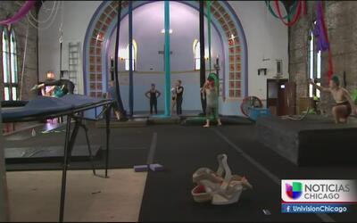 Iglesia se convirtió en escuela circense para jóvenes en Logan Square