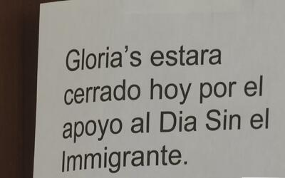 El llamado a 'Un día sin inmigrantes' tuvo variadas respuestas en Los Án...
