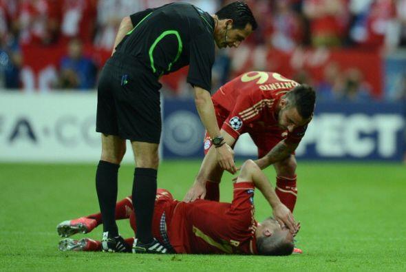 Ribery salió lesionado, pero el Bayern tenía el penalti pa...