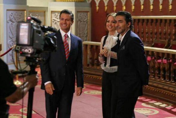 Andrea Legarreta y Raúl Araiza entrevistaron al presidente de M&e...