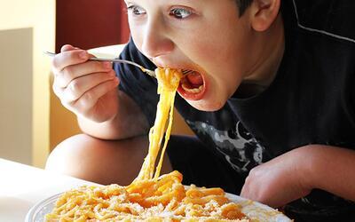 Consulta con Dr. Juan: ¿es malo comer rápido?