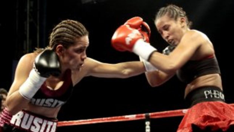 Rivas dio una cátedra de boxeo a Feliciano (Foto: Canelo Promotions)