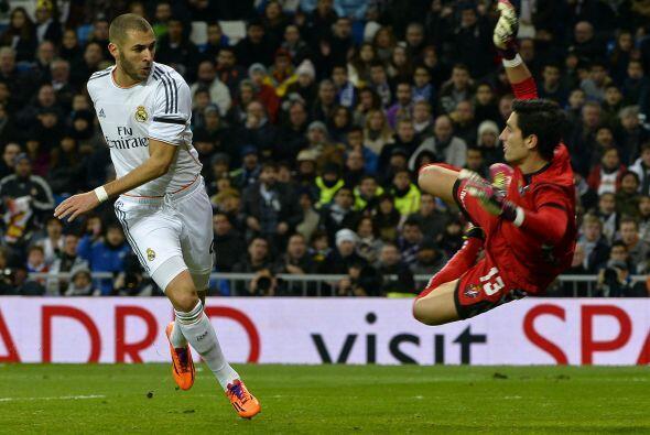 Y comenzaba el concierto blanco pues Bale demostró que no solo es un gol...