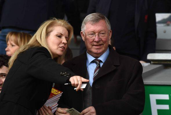 Sir Alex Ferguson, histórico ex entrenador del United, también acompañó...