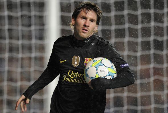 Messi se veía desesperado al no poder mostrar su magia en Stamford Bridge.