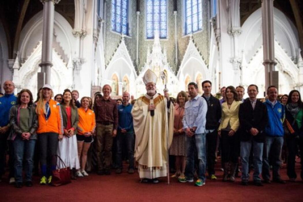 También el domingo se llevaron a cabo servicios religiosos de Pacua en h...