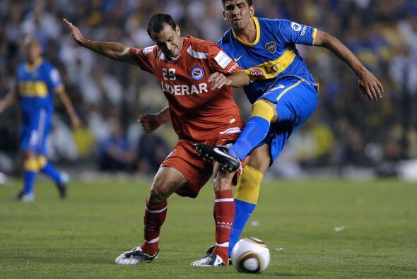 El debut de Román fue frente a Argentinos Juniors, el club donde...