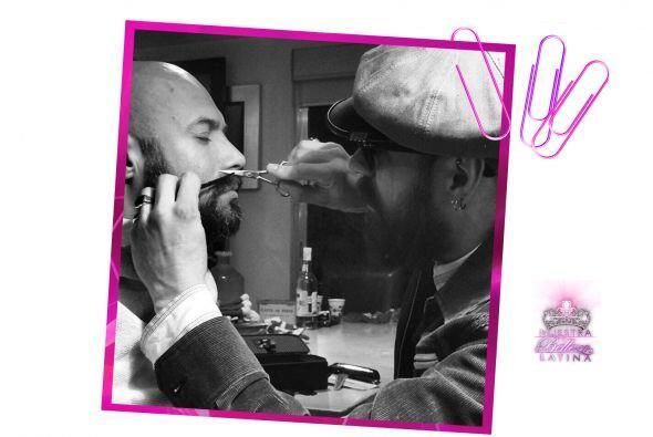 Javier es uno de los conductores de radio y televisión más...