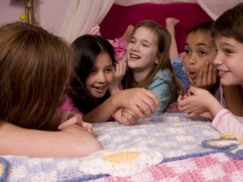A las pijama party no les pasan los años. Pueden inventar todos l...