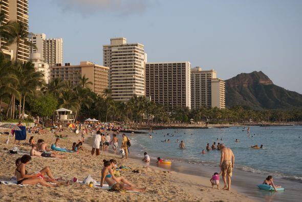 ALTERNATIVA: ...ese lugar se llama Hawai.