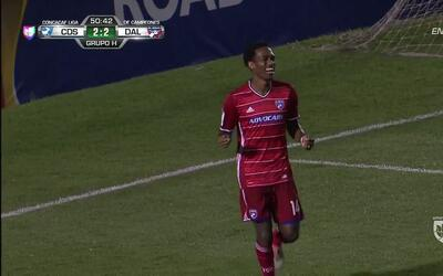 Goooolll!! Atiba Harris mete el balón y marca para FC Dallas