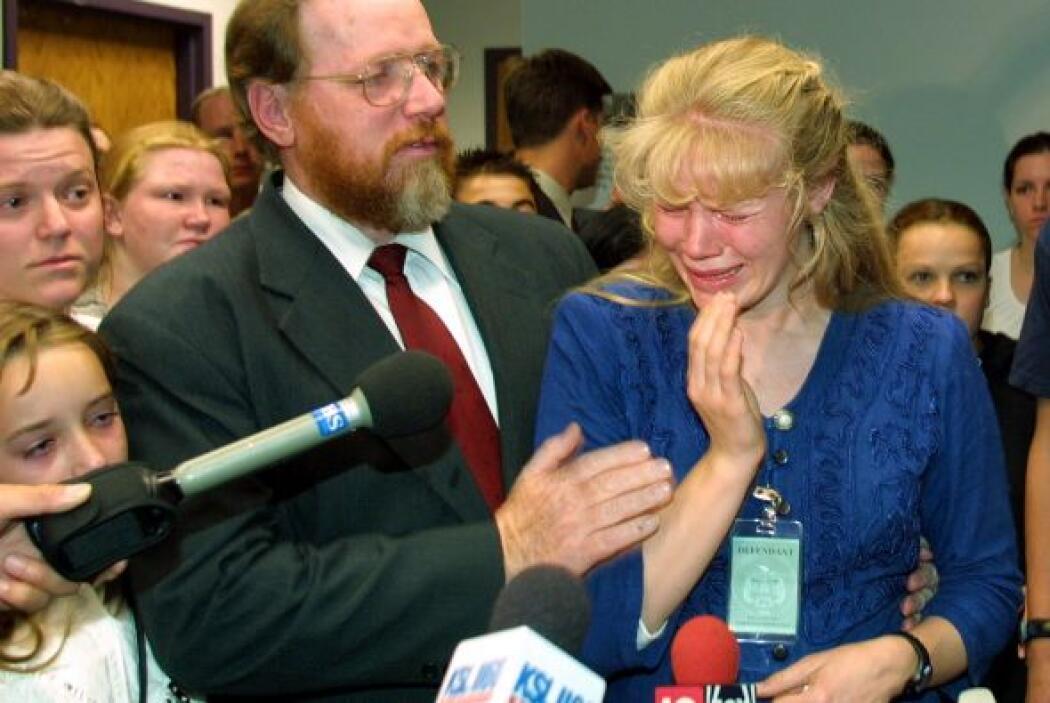 Durante el juicio, varias de sus esposas se quebraron ante las cámaras....