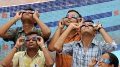 El eclipse total de Sol del 22 de julio generó pánico y conmoción los pa...