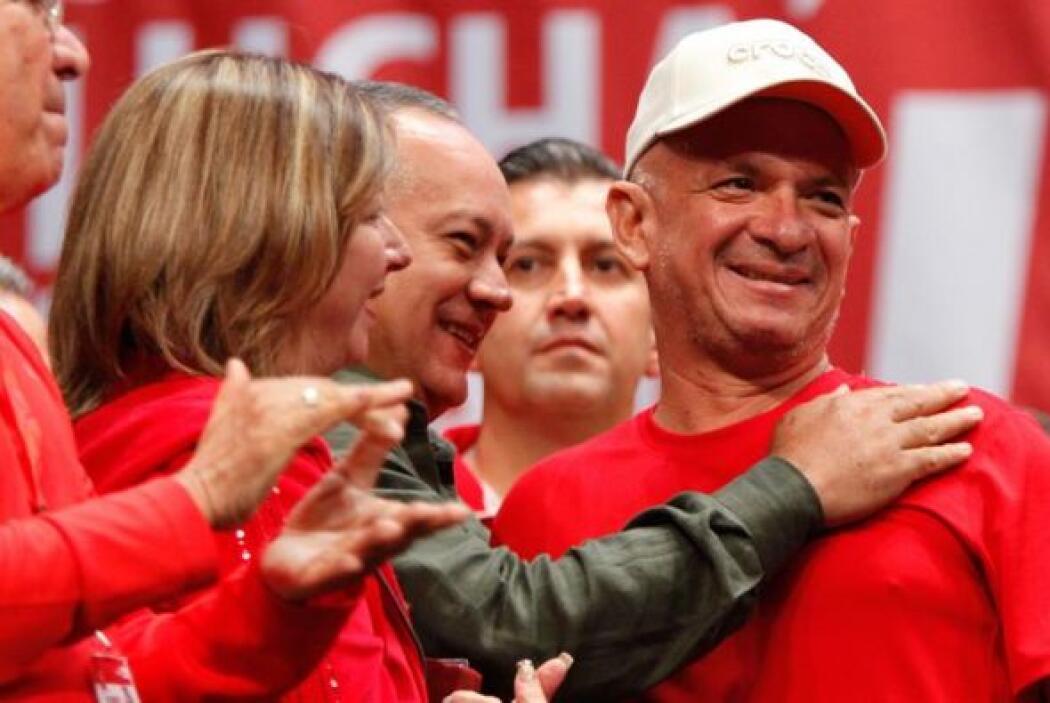 Hugo Carvajal junto a Diosdado Cabello, presidente de la Asamblea Nacion...