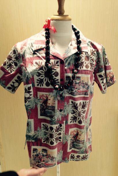 Este año, la camisa oficial del evento es estilo hawaiana en honor al Pr...