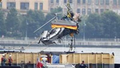 Siete cadaveres de choque aereo recuperados del rio Hudson en NY. 7c4922...