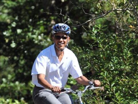 El presidente Barack Obama, junto a su esposa Michelle y sus dos hijas,...
