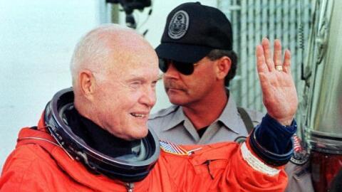 El astronauta John Glenn en el Kennedy Space Center, Florida, en 1998.