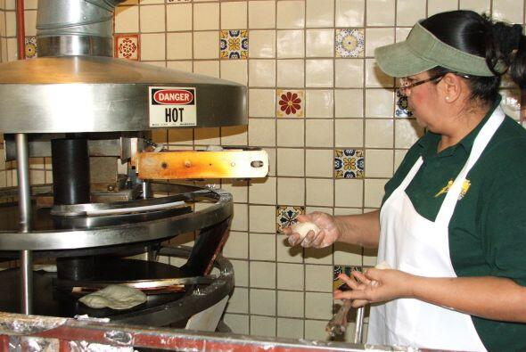 Para completar, también hacen tortillas de harina.