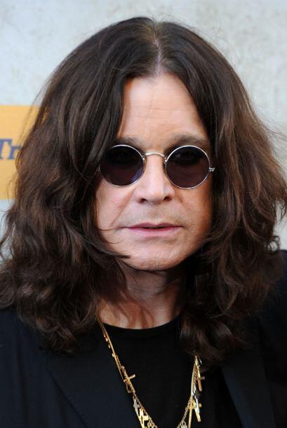 A sus 64 años Ozzy Osbourne se dio cuenta que todo lo que tape la cara,...
