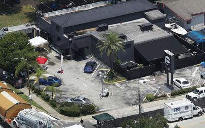 Esposa del atacante en club nocturno de Orlando fue arrestada por cargos...