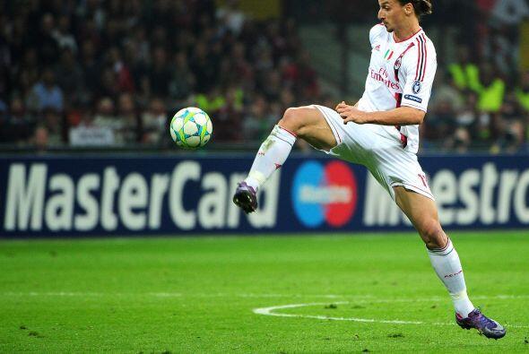Ibrahimovic estuvo muy apagado en este duelo ante su ex equipo y se pasó...