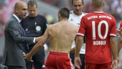 Ribery celebra su gol con Guardiola.