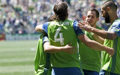 Un gol temprano de Cristian Roldán le bastó a Seattle para vencer a Port...