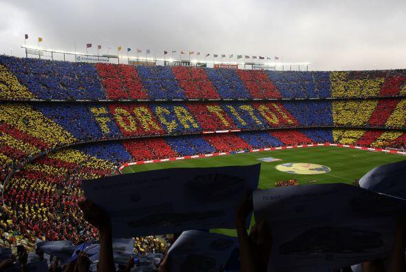 Antes del partido el 'Camp Nou' le mandó un mensaje de apoyo a su ex ent...