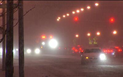 Recorrido por las principales carreteras de Chicago tras alerta de torme...