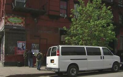 Inquilinos denuncian el pésimo estado de sus apartamentos en un edificio...
