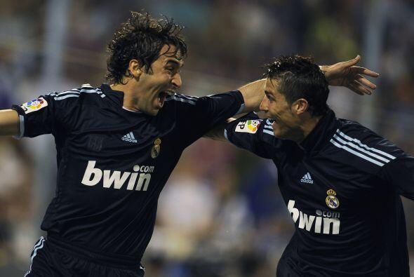 El 'Ángel de Madrid' logró 323 goles tras disputar 741 partidos, cifra q...