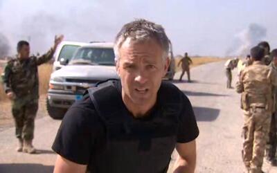 Reportero queda atrapado en un tiroteo entre las fuerzas iraquíes e Isis