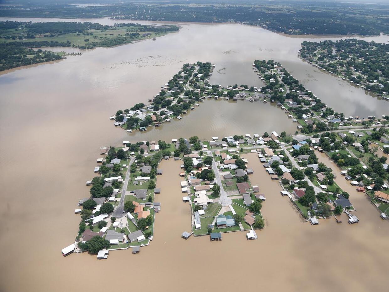 Residentes de la población de Horseshoe Bend en el Condado Parker, han s...