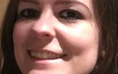 Kelly Brewster, de 32 años, murió protegiendo con su cuerp...